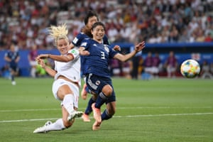 Rachel Daly of England shoots towards goal.