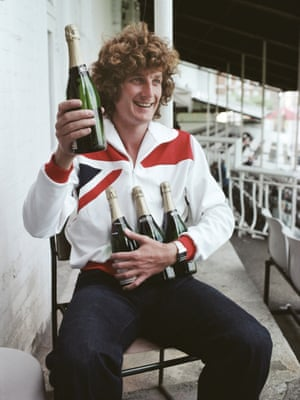 England bowler Bob Willis celebrates being the leading wicket-taker of the 1977 Ashes after ending the series with 27 wickets.
