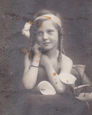 Myrtle Hooper (nee Howcroft) as a child in northern Victoria in the 1910s