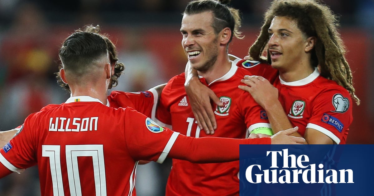 Gareth Bale's winner against Azerbaijan keeps Wales Euro 2020 dreams alive