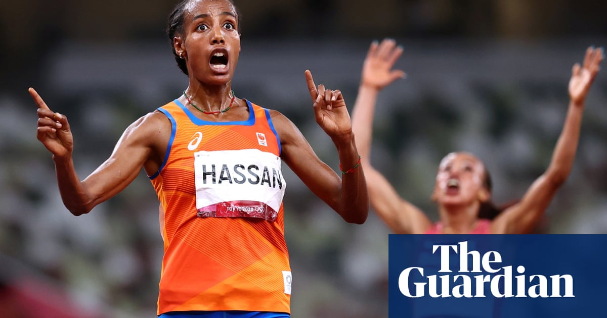 Sifan Hassan completes unique treble with sprint finish to win 10,000m gold