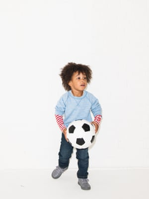 pale blue jumper red top with stripes arket.com dark blue slim fit jeans hm.com grey lace up shoes clarks.co.uk
