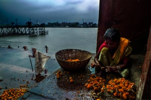 Living Together, Kolkata, 2016 People live beside and depend heavily on the river for their daily needs but they also help to clean the river and its surroundings as much as possible.