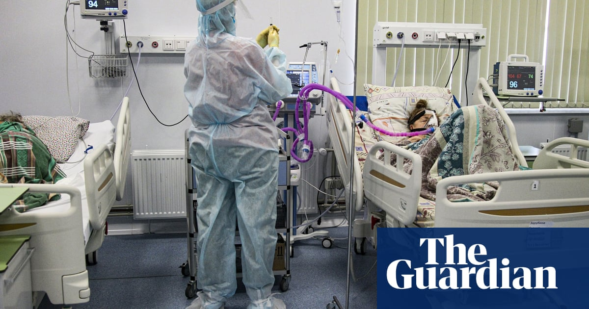 Record Covid fatalities as Russia prepares for nationwide curbs