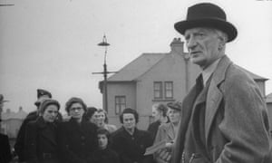 William Beveridge addressing a group of housewives