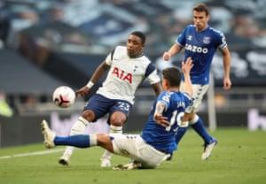Tottenham Hotspur's Steven Bergwijn in action with Everton's James Rodriguez.