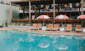 Bể bơi tại The Island Gold Coast
