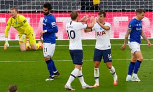 Tottenham Hotspur's Giovani Lo Celso and Harry Kane celebrate.