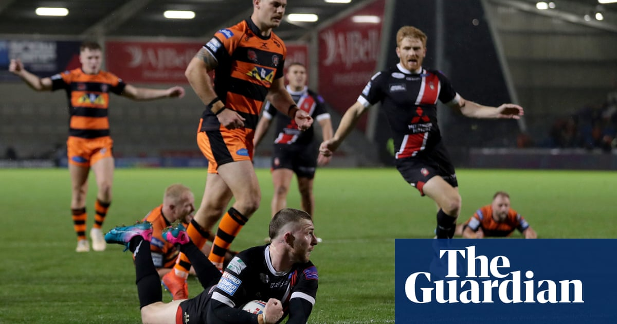 Salford stand on verge of maiden Grand Final after beating Castleford
