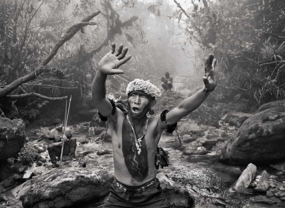 Shaman Angelo Barcelos (Koparihewe) from the community of Maturaca.