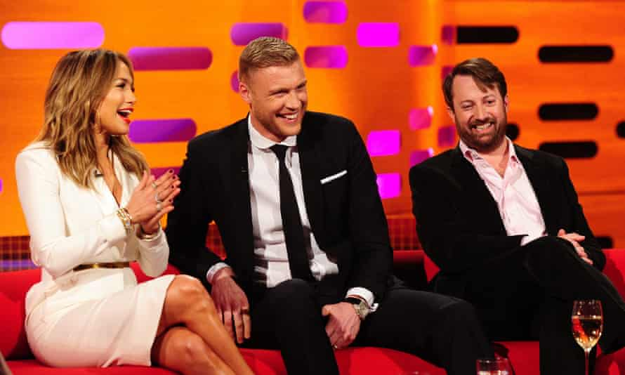 Andrew Flintoff sitting between Jennifer Lopez and David Mitchell at The Graham Norton Show in 2013