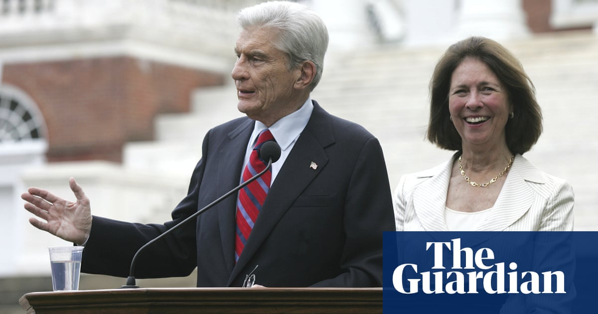 Former Virginia Republican senator John Warner dies aged 94