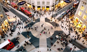 The pedestrian crossing at Oxford Circus in London