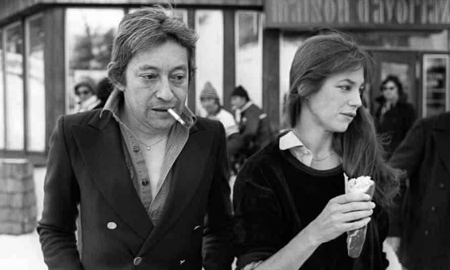 Serge Gainsbourg, a famous Gitanes smoker, with his wife Jane Birkin in 1977.