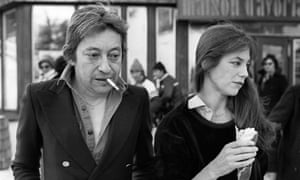 Serge Gainsbourg, a famous Gauloises smoker, with his wife Jane Birkin in 1977.