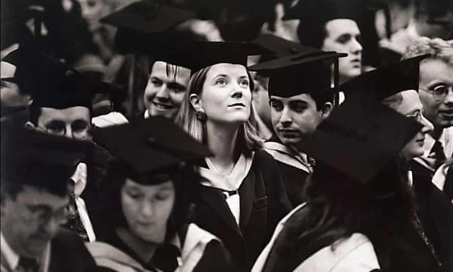 Students graduating in Britain in the 1980s