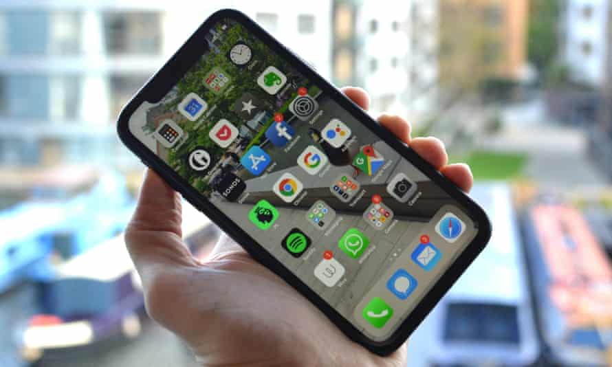 iPhone XR review: Apple's cheaper battery king | iPhone | The Guardian