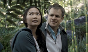 Hong Chau and Matt Damon in Downsizing.