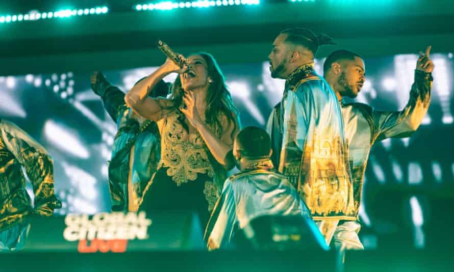 Jennifer Lopez sings.