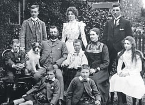 Drew McKenzie-Smith's maternal great-grandparents, John and Jane Howison, and eight of their 10 children in 1902.