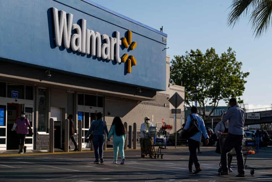 The Walton family, heirs of the Walmart patriarch Sam Walton, increased their net worth by an inflation-adjusted $247bn since 1983, or 4,320%.