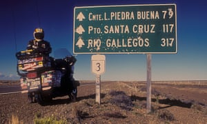 Emilio Scotto on his bike in southern Argentina on the way to Patagonia