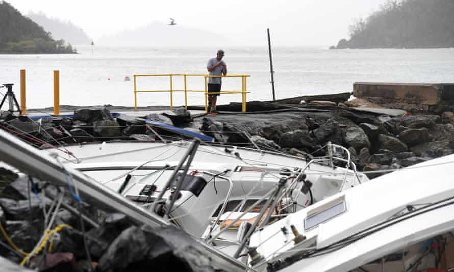 Boats smashed into rocks at Shute Harbour