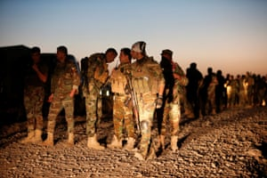 Peshmerga forces gather in the east of Mosul before the attack