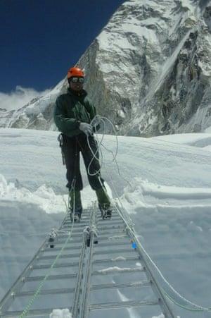 Nima Dorchi at work establishing a safe route through the Khumbu iceflow