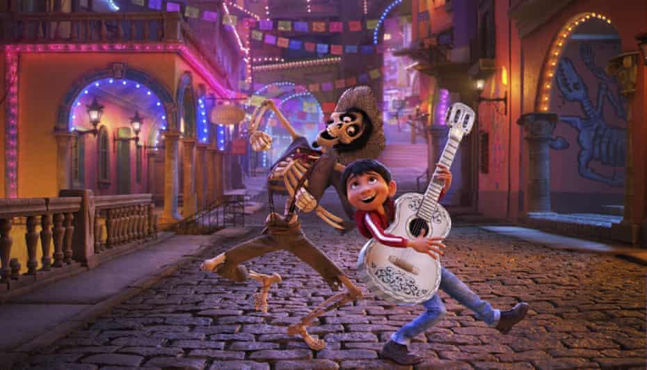 Verdadero potencial ... el músico en ciernes Miguel, cierto, en el día de los muertos Coco