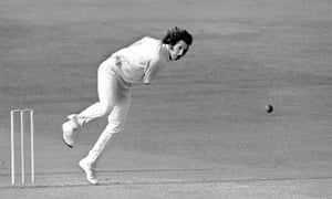 Cricketer Max Walker bowling in 1975