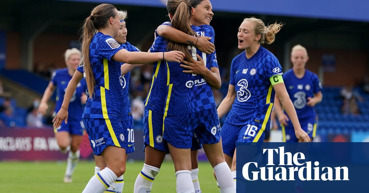 Sam Kerr's double leads Chelsea to emphatic WSL win over Everton