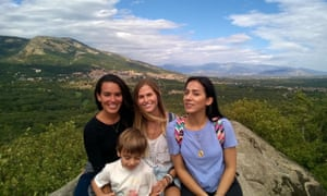 English helpers Catherine, Nora and Emma in the mountains of Madrid.