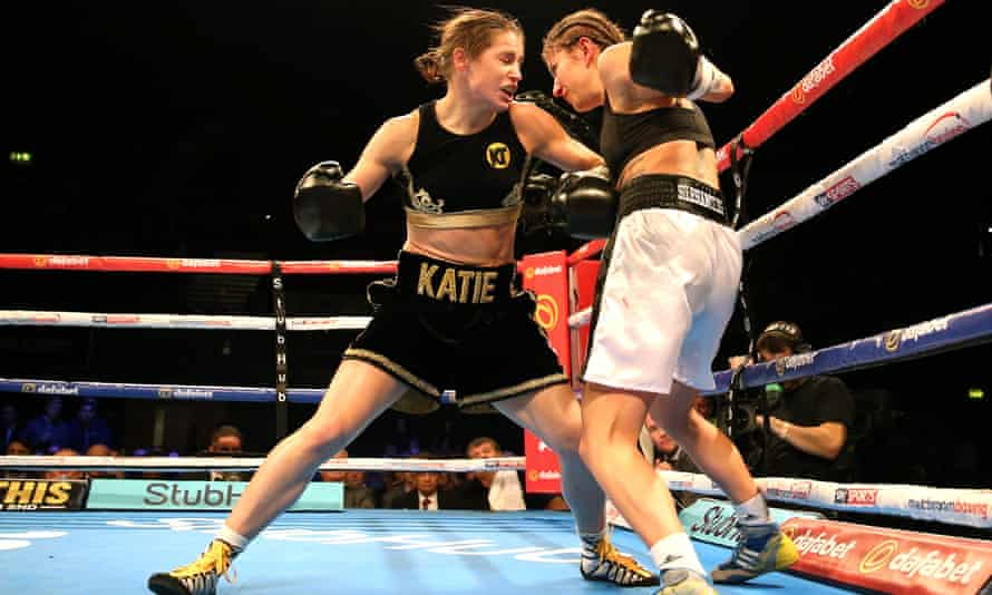 Katie Taylor v Karina Kopinska