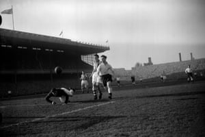 Blackpool's forward Jack Mudie, Arsenal centre-half Daniel and goalkeeper Kelsey during the FA Cup sixth round match at Highbury.