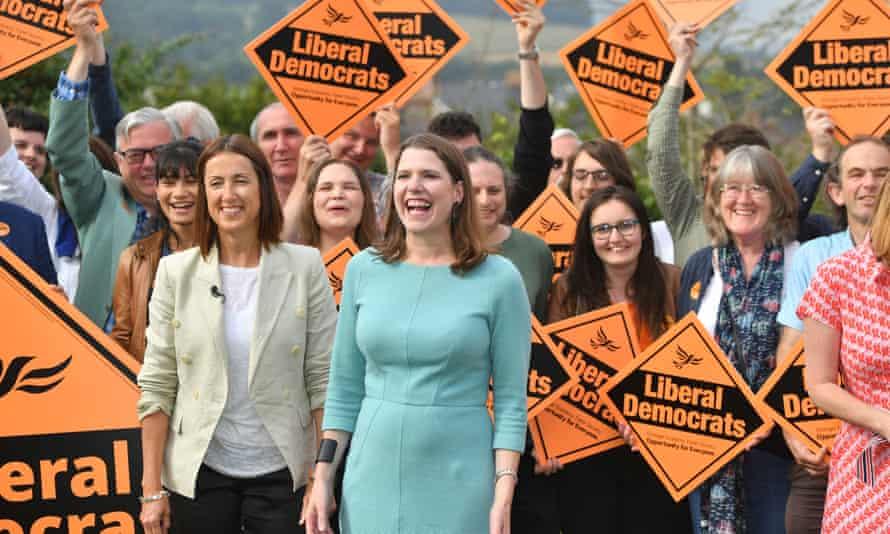 Liberal Democrat leader, Jo Swinson, (right) and Welsh Liberal Democrat leader, Jane Dodds (left).
