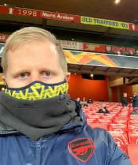 Tim Stillman wearing his face mask at the Emirates