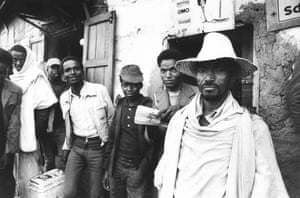 Street scene in Mogadishu during the Somalian famine, March 1980.