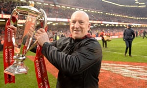 Defence coach Shaun Edwards has rejected a contract offer to remain with Wales after the World Cup.