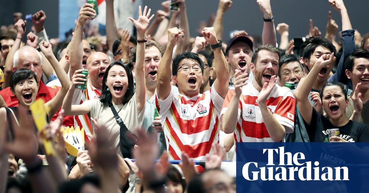 Japan fans celebrate wildly after stunning Ireland in Rugby World Cup – video