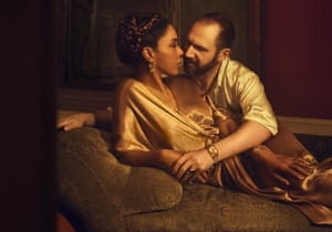 Ralph Fiennes and Sophie Okonedo play Antony and Cleopatra