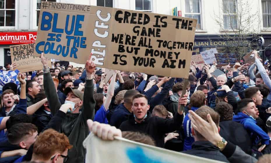 Chelsea fans protest outside Stamford Bridge