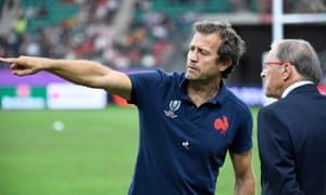 Fabien Galthié speaks to Jacques Brunel during last year's World Cup