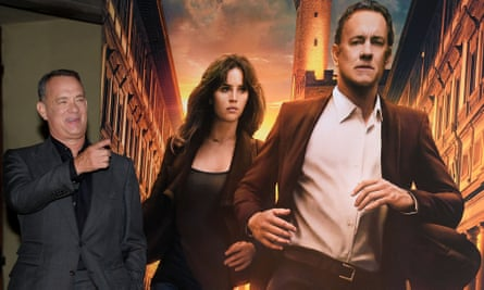 Tom Hanks with an Inferno poster in Florence.
