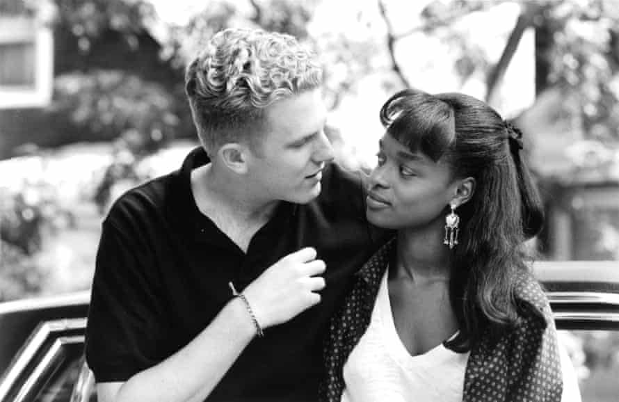 """Actor Michael Rapaport and actress N'Bushe Wright on set of the movie """"Zebrahead"""" , circa 1992. (Photo by Michael Ochs Archives/Getty Images)"""