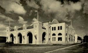 Tanjong Pagar railway station, black and white