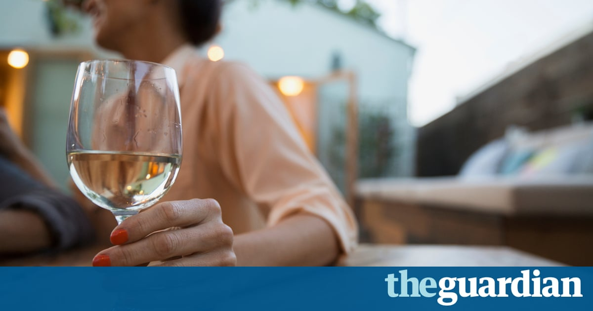 Moderate drinking can lower risk of heart attack, says study