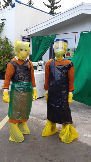 Philippine doctors turn to garbage bags to protect themselves as colleagues die from coronavirus
