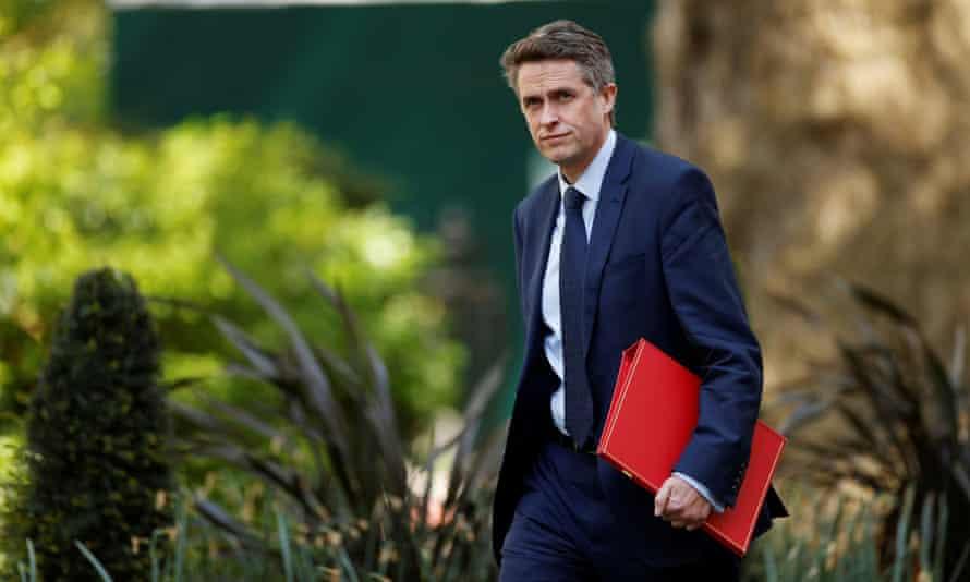 Gavin Williamson arrives in Downing Street