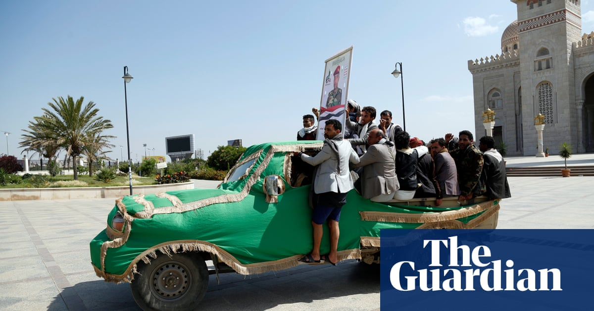 Missile and drone attack kills at least 30 in south Yemen